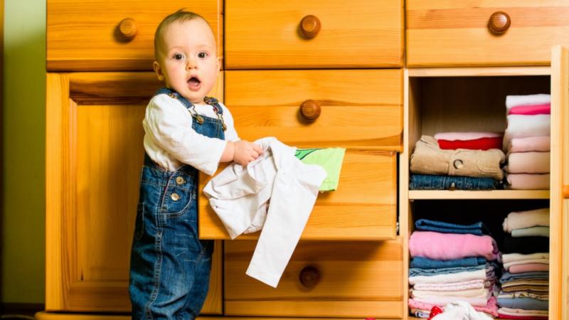 Как да научим детето да се облича и защо да го оставяме само да избира дрехите си?
