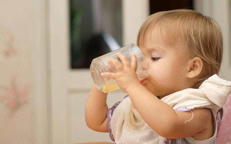 От кога да даваме сок на бебето?